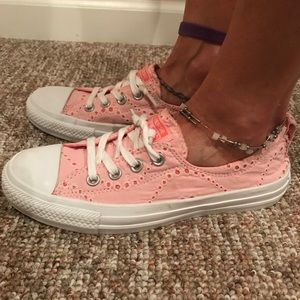 CONVERSE PINK LACY SHOES - W8.